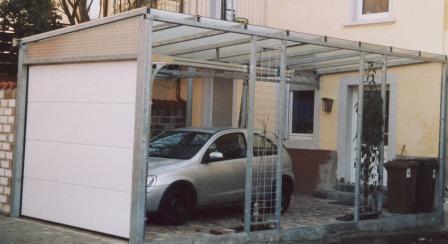 sonstiges berdachung an einer einfahrt mit vorderem rolltor als carport in stahl feuerverzinkt. Black Bedroom Furniture Sets. Home Design Ideas