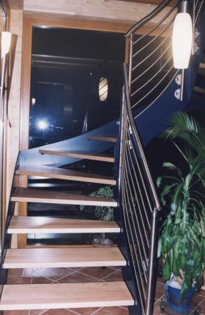 metalltreppen podesttreppe als hauseingangstreppe verzinkt diese metalltreppe ist mit einem. Black Bedroom Furniture Sets. Home Design Ideas
