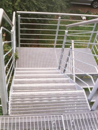gelaender gelaender verzinkt  einer treppe im