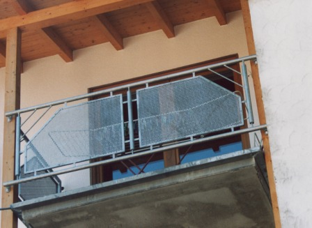 balkongel nder lochblech verzinkt metallteile verbinden. Black Bedroom Furniture Sets. Home Design Ideas
