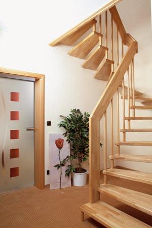 Holztreppen holztreppe buche keilgezinkt - Treppe aufarbeiten ...