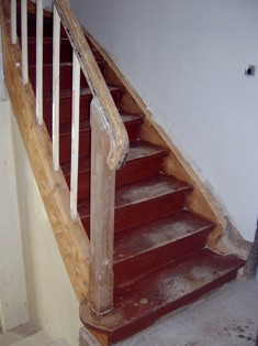 treppenrenovierung treppe vor der renovierung. Black Bedroom Furniture Sets. Home Design Ideas
