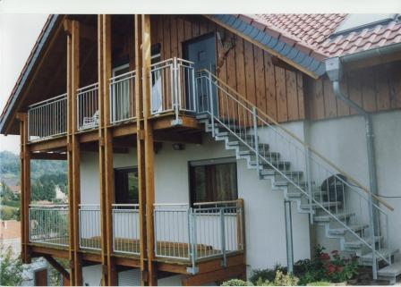 metalltreppen zweiholmtreppe als verzinkte au entreppe. Black Bedroom Furniture Sets. Home Design Ideas